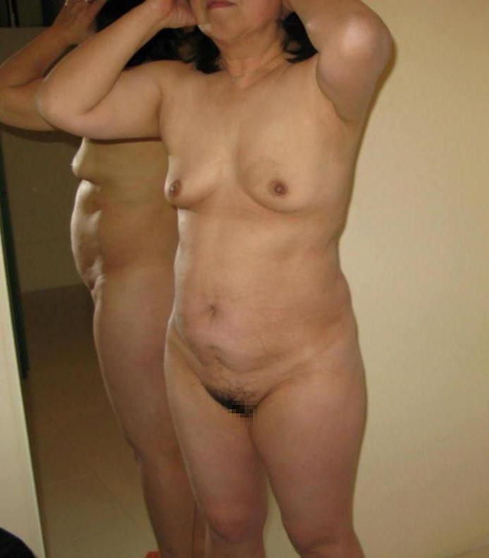 50代熟女の全裸画像まとめ15